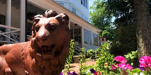 Exterior with Statue Red Lion Inn Stockbridge Massachusetts