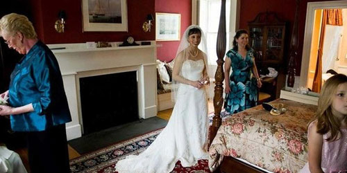 Bride in Waiting 500x250 - Harbor Light Inn - Marblehead, MA - Photo Credit Melissa Coe