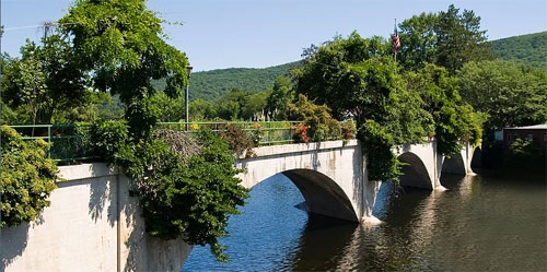 bridge of flowers shelburne falls ma