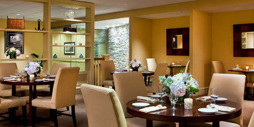 Tradewinds Lounge 500x250 - Doubletree Boston North Shore - Danvers, MA