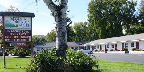 Exterior View - Monument Mountain Motel - Great Barrington, MA