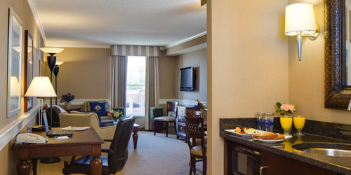King Suite Breakfast - Salem Waterfront Hotel - Salem, MA