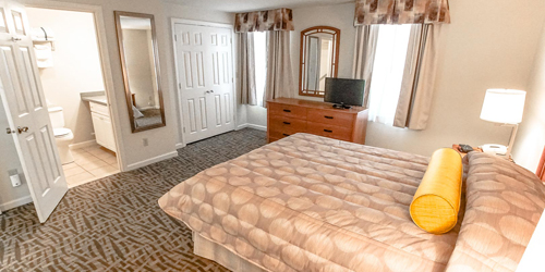 Guest Room - Sea Mist Resort - Mashpee, MA