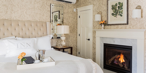 Deluxe Room with Fireplace - Inn at Hastings Park - Lexington, MA