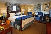 King Suite - Lord Jeffery Inn - Amherst, MA
