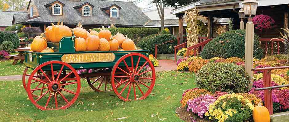 Fall Wagon and Pumpkins at Yankee Candle